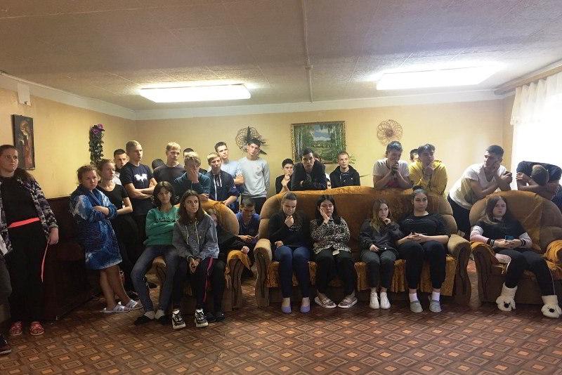 Собрание студентов в общежитиии